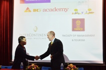 INTERCONTINENTAL HANOI WESTLAKE INITIATED IHG ACADEMY PROGRAM WITH FACULTY OF TOURISM OF HANOI UNIVERSITY